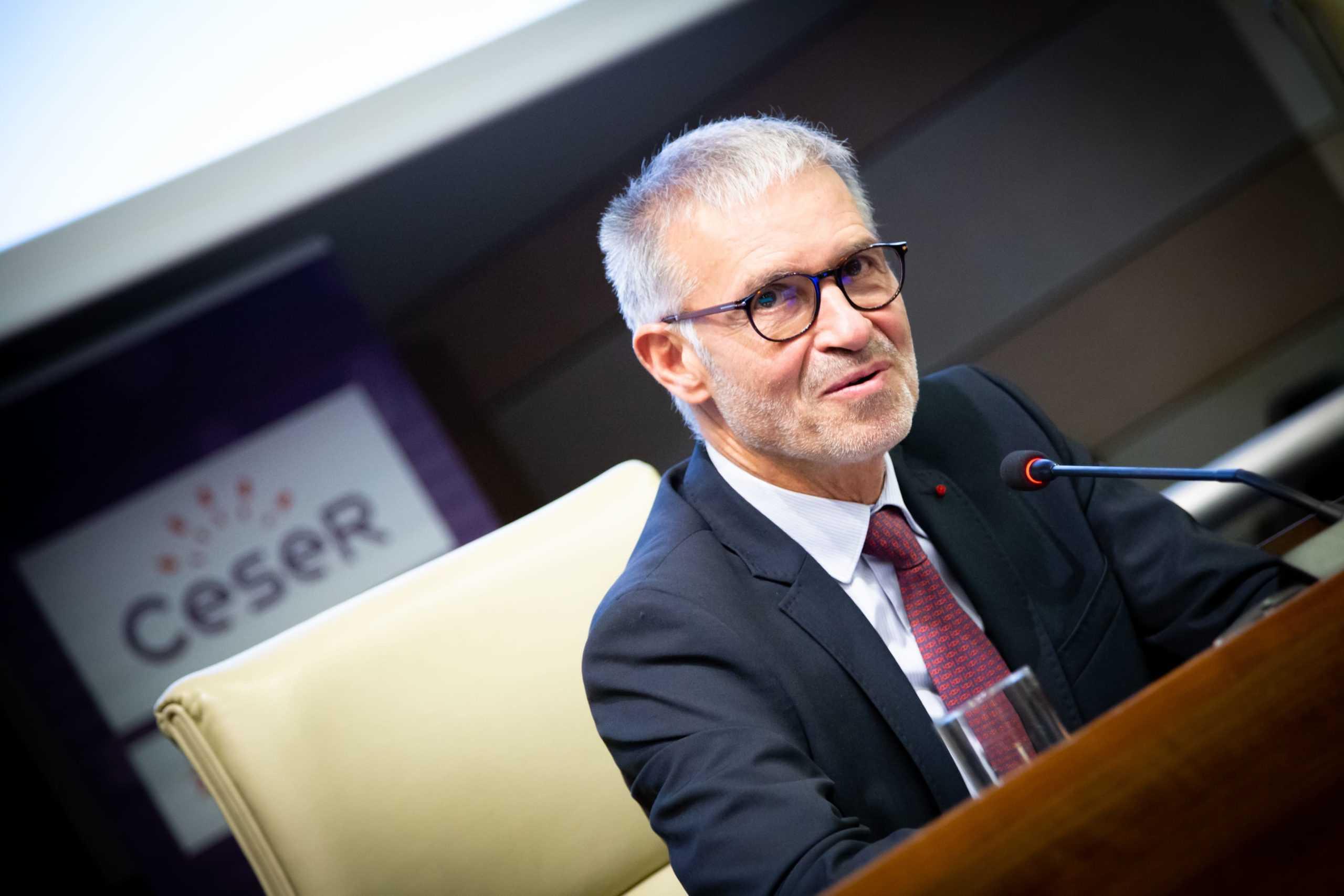 Patrick Bernasconi, président du Cese, devant l'assemblée du Ceser Île-de-France